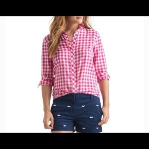 Vineyard Vines gingham button down shirt. Size 6.